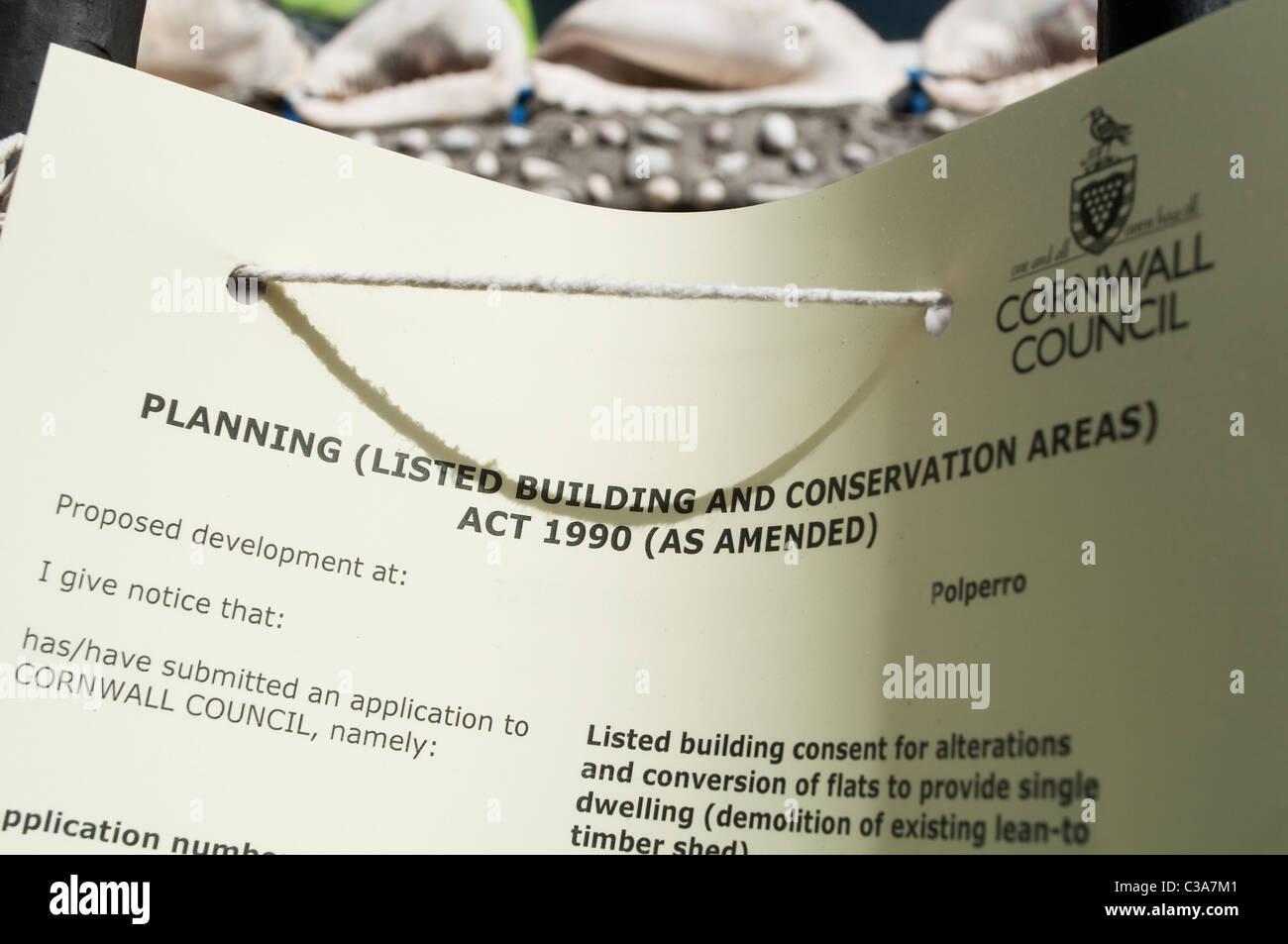 Ein Bauantrag für ein denkmalgeschütztes Gebäude in Polperro, Cornwall, uk Stockbild