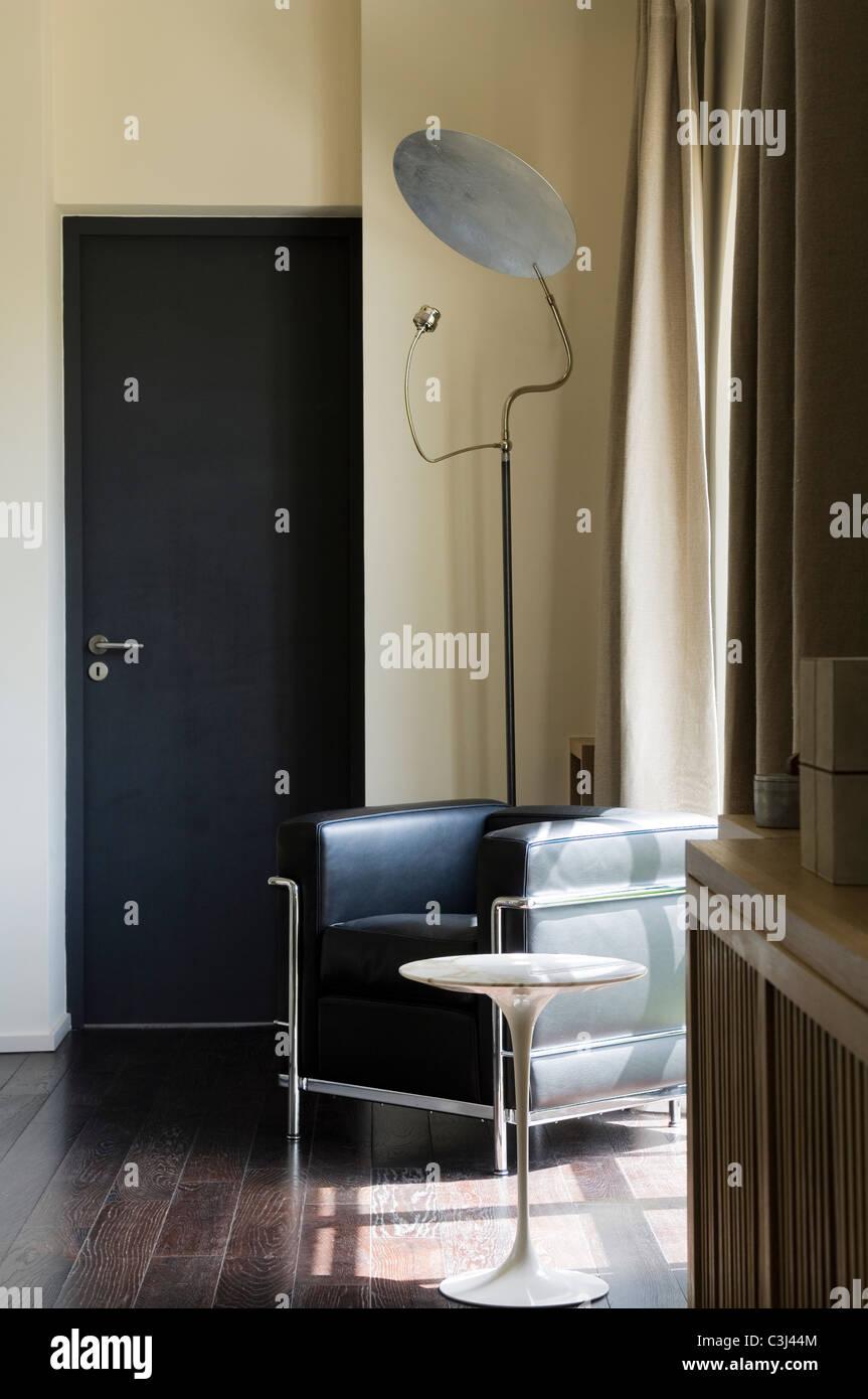 Loft-Stil Redesign und zeitgenössische Renovierung des französischen ...
