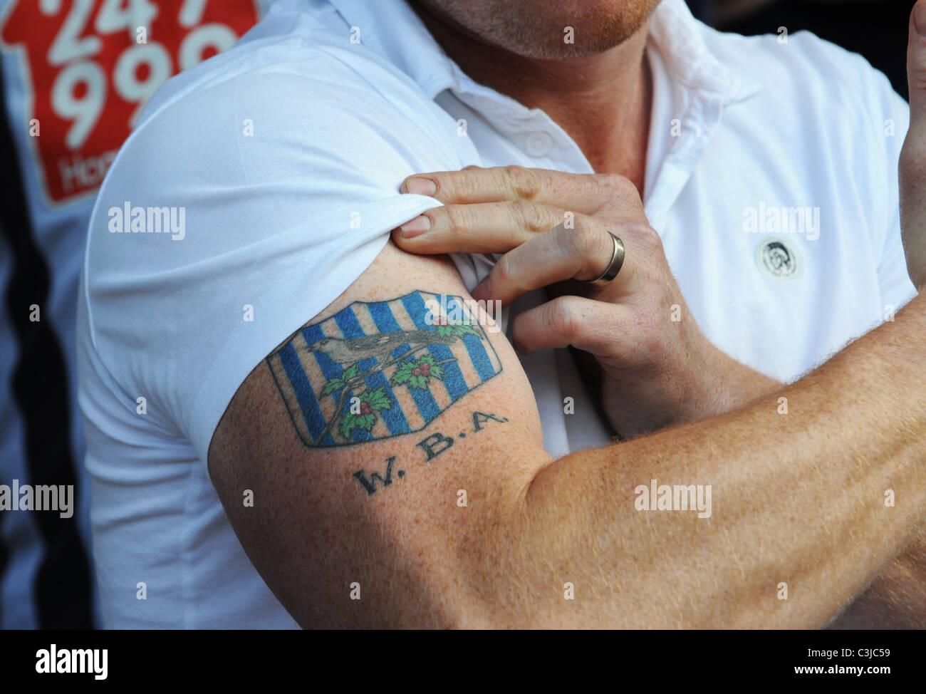 Fussball Anhanger Mit Seinem Verein Abzeichen Tattoo