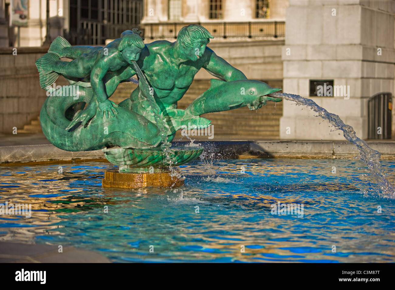 Brunnen am Trafalgar Square, City of London, UK Stockbild
