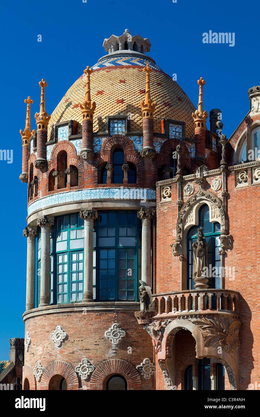Barcelona, San Paul Hospital wurde von Lluis Domenech I Montaner entworfen und zwischen 1905 und 1908 erbaut. Stockbild