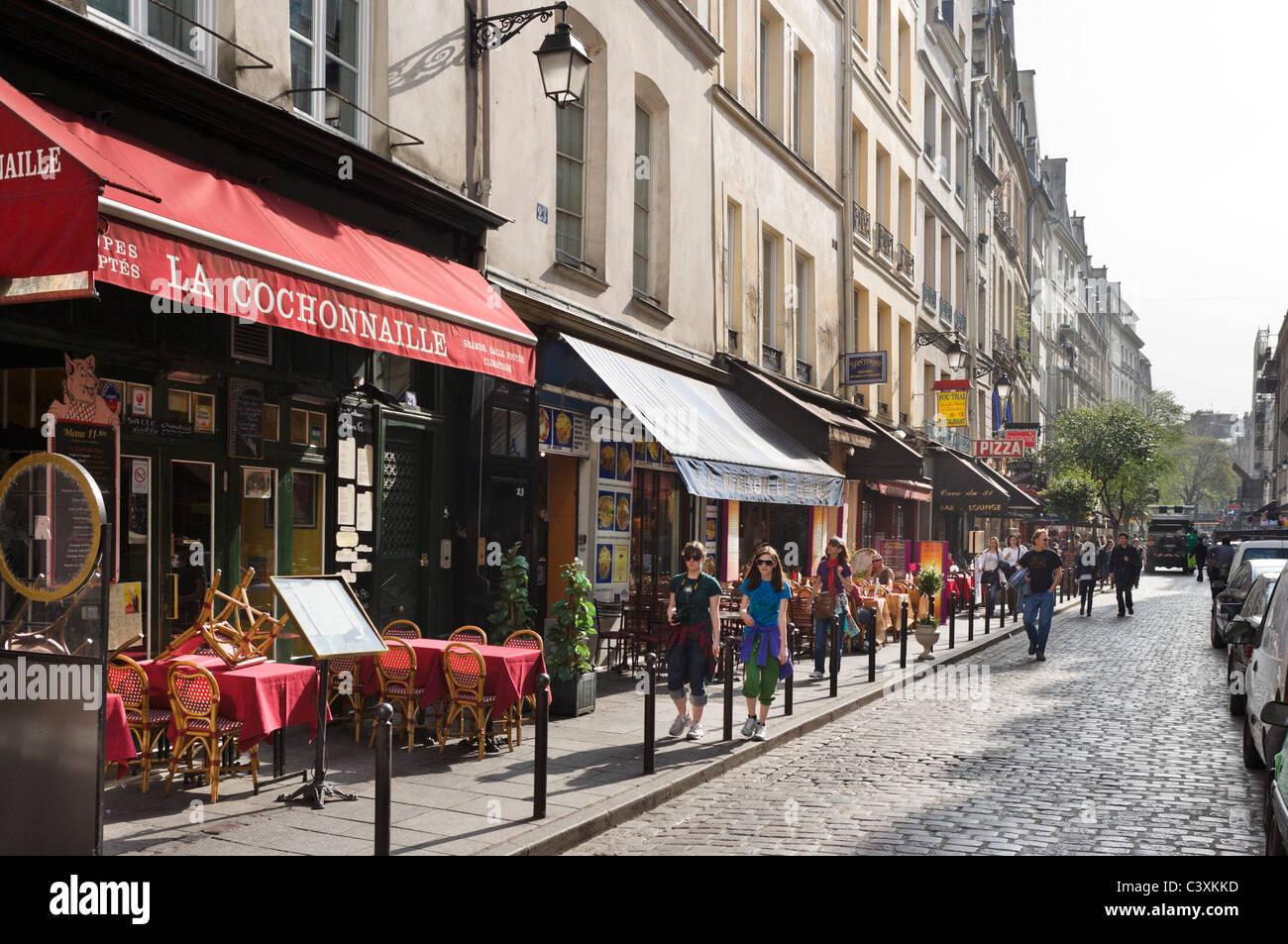 restaurants und gesch fte auf der rue de la harpe off nur. Black Bedroom Furniture Sets. Home Design Ideas