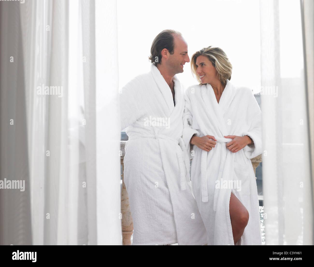 robe stockfotos robe bilder alamy With katzennetz balkon mit two hands lily s garden shiraz