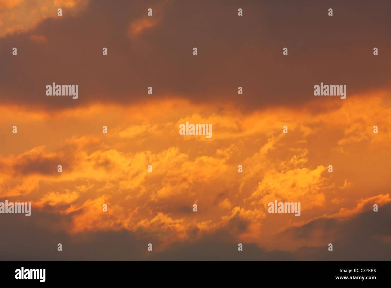 Hintergrund der bunten Himmel. Stockbild