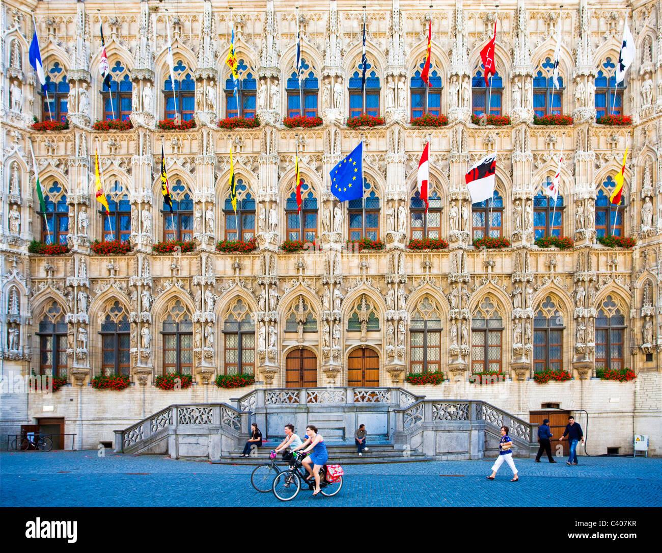 Belgien, Europa, Leuven, Rathaus, Fassade, Gothic, Fahnen Stockbild