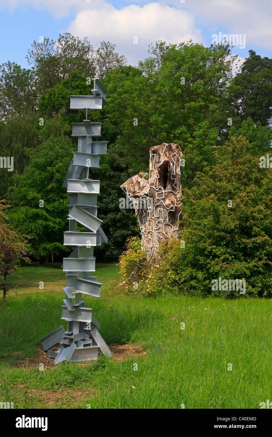 Zeitgenössische Skulptur Garten Burghley House Moderne Skulpturen