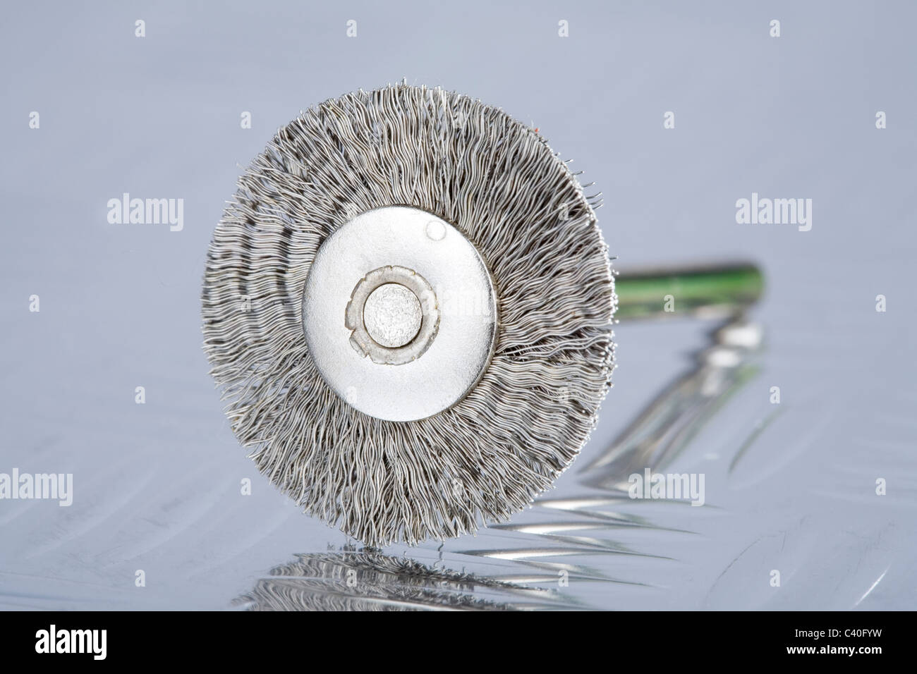 Wire Brush Stockfotos & Wire Brush Bilder - Alamy