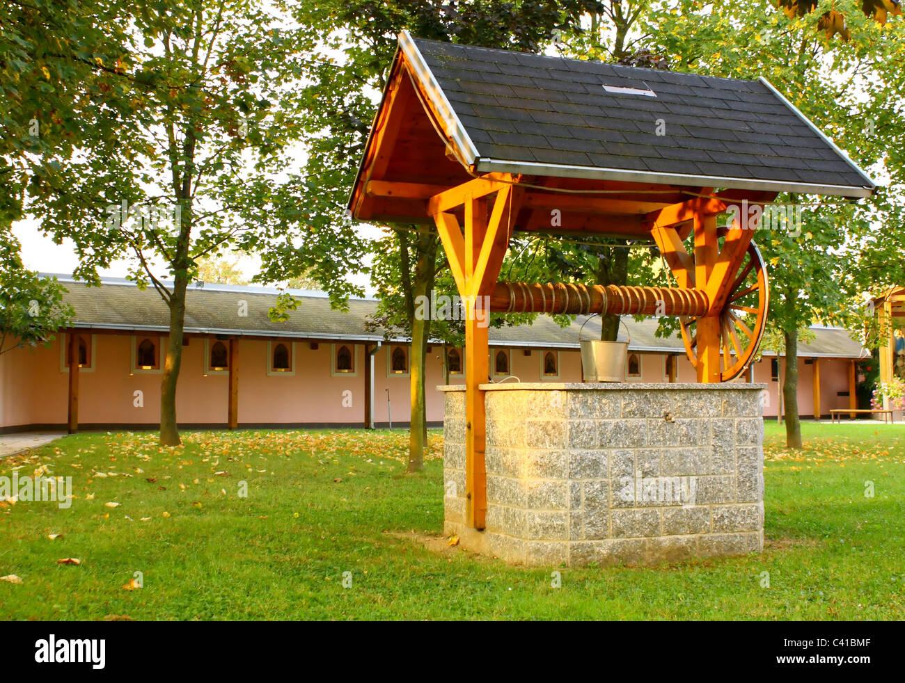 Traditionelle Wasser-Brunnen, Wasserversorgung auf alte Art und Weise Stockbild