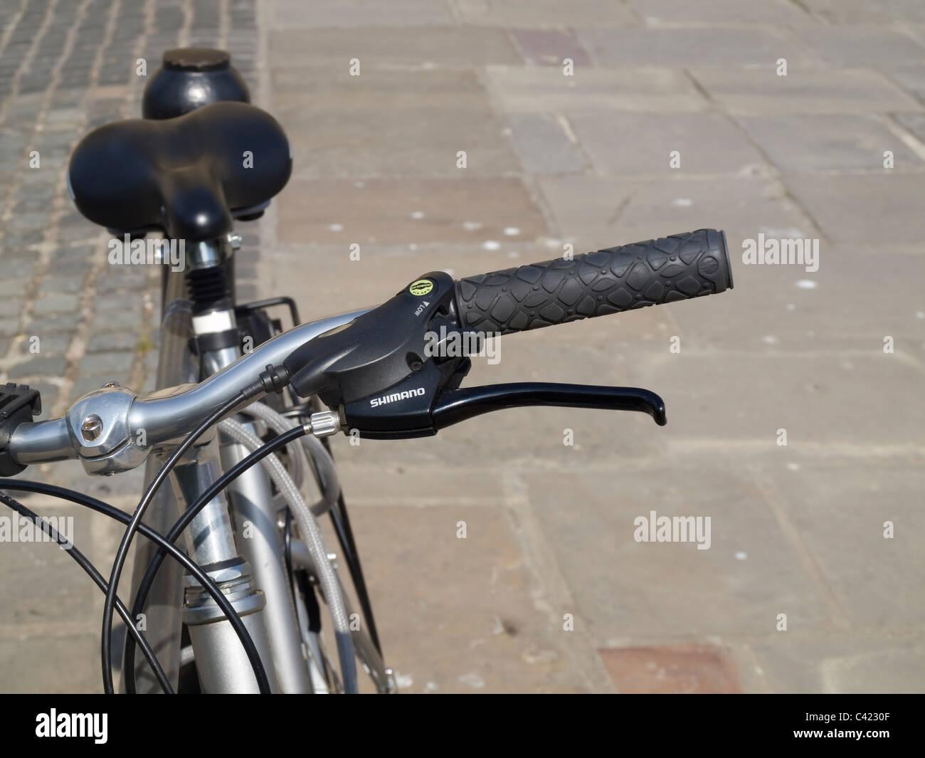 Ein fahrradlenker ein gaspedal