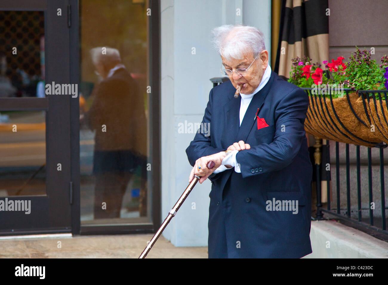 Wohlhabenden älteren Mann in Washington, D.C. Stockbild