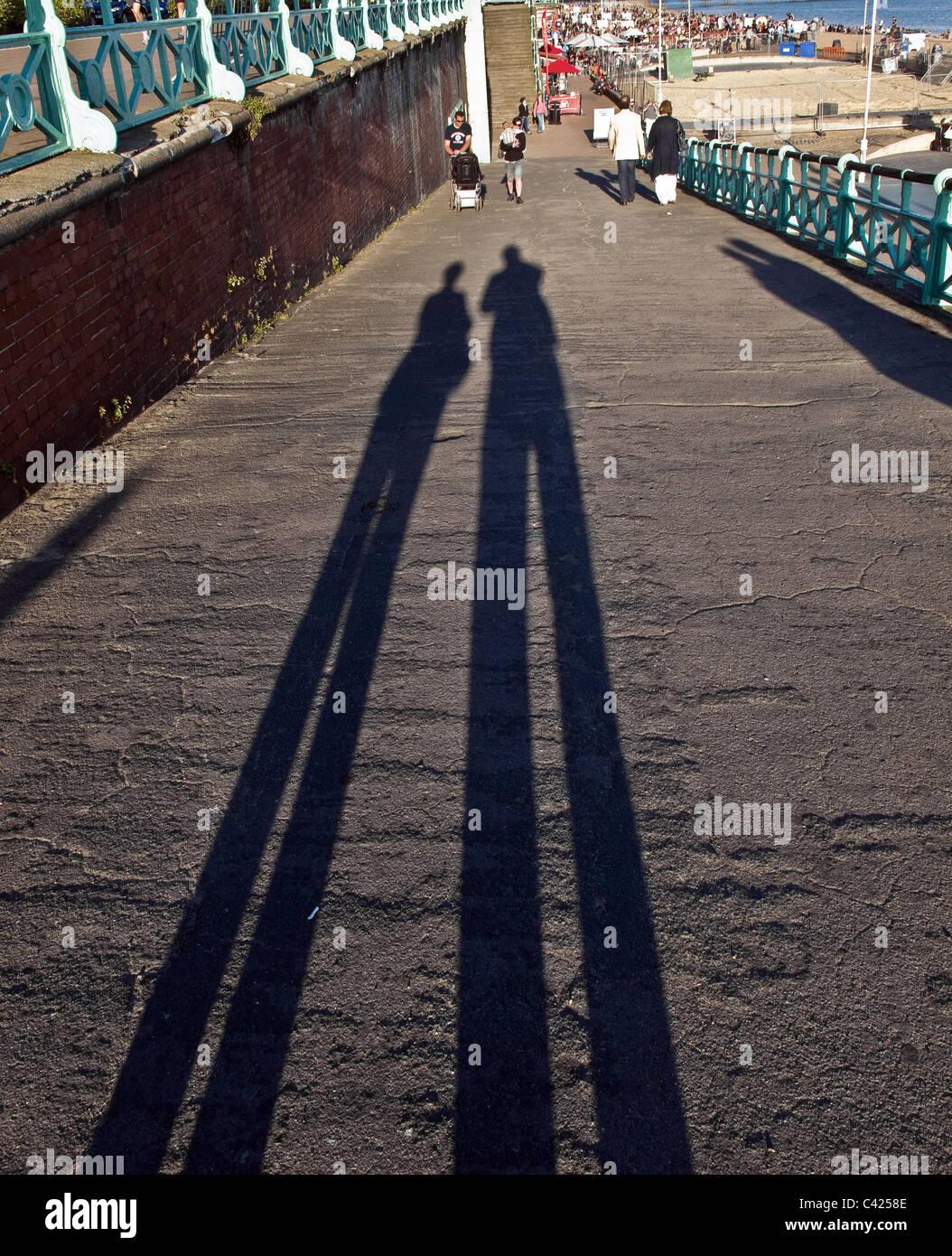 Schatten auf dem Boden durch Abend Sonnenlicht Stockbild
