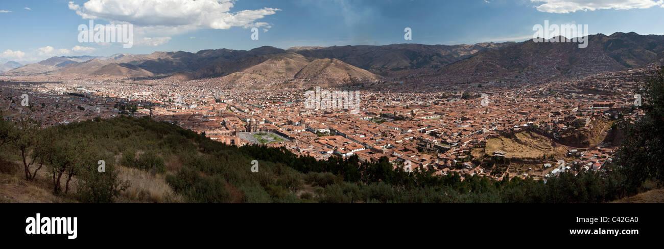 Cusco, Peru, Cuzco, Panorama Blick vom Aussichtspunkt Cristo Blanco. UNESCO-Weltkulturerbe. Stockfoto