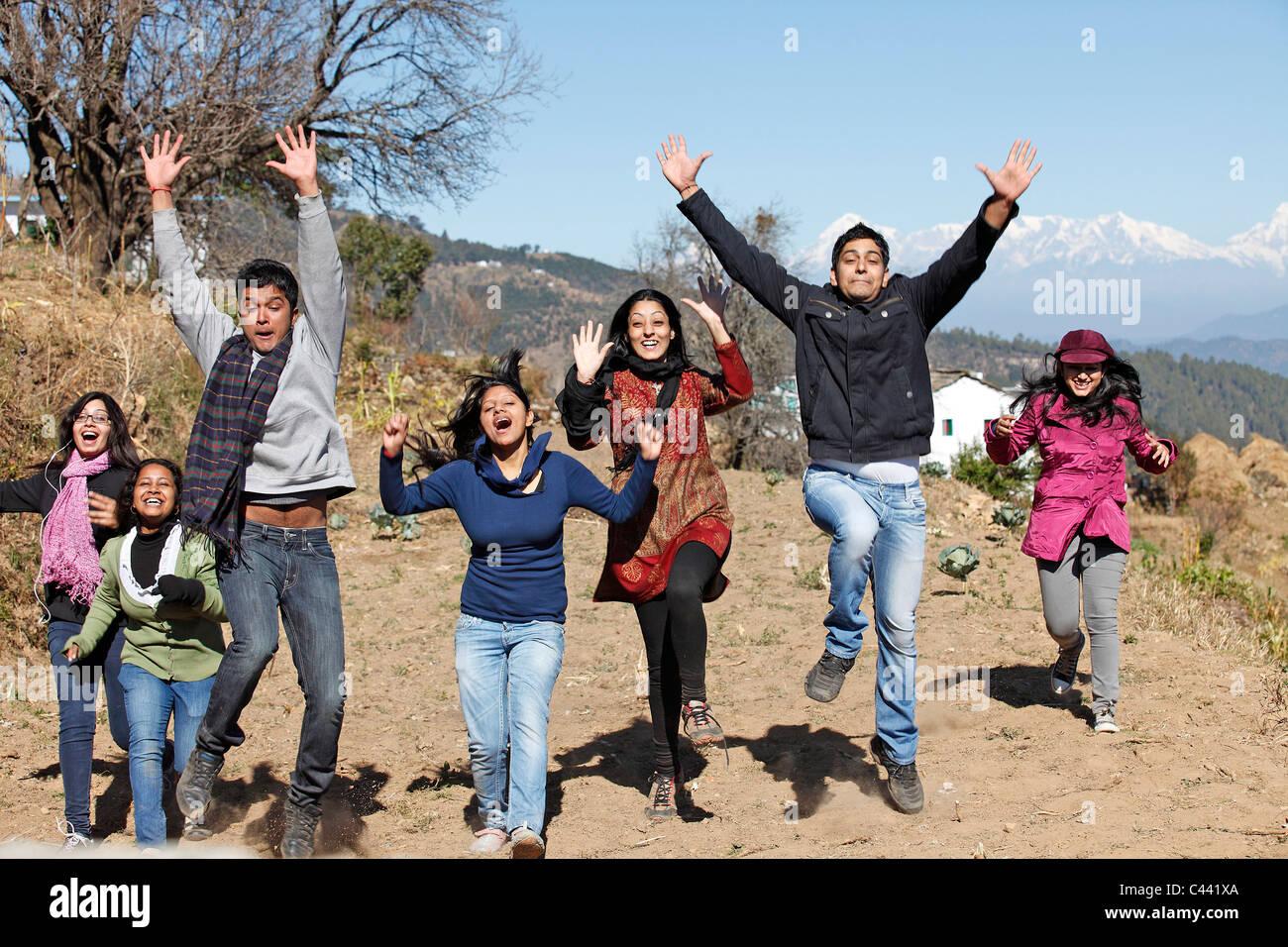Jung, Jugend, Jugendliche Studenten, Campus, Hochschule, Universität, schöne, lebhafte Stockbild