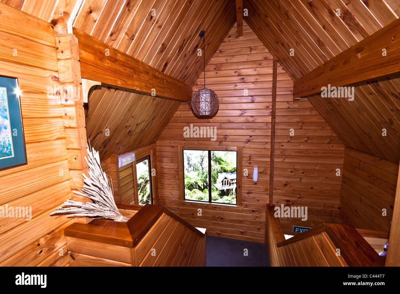 http://c8.alamy.com/compde/c444t7/holz-interieur-der-mountain-lodge-fox-glacier-lodge-fox-glacier-west-coast-sudinsel-neuseeland-c444t7.jpg