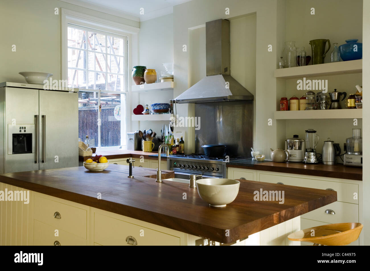 belfast sink stockfotos belfast sink bilder alamy. Black Bedroom Furniture Sets. Home Design Ideas