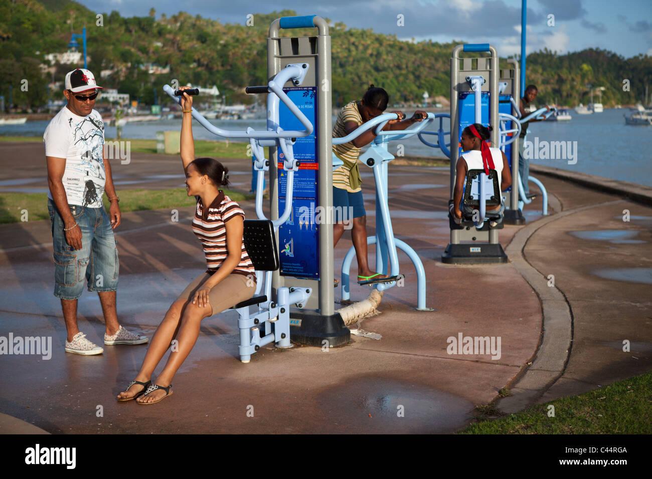 Trainieren Sie im Promenade von Samana, Halbinsel Samana, Dominikanische Republik Stockbild