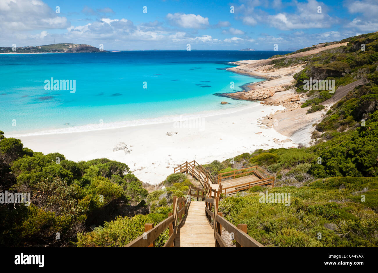 Hinunter zum Blue Haven Beach Boardwalk. Esperance, Western Australia, Australien Stockbild