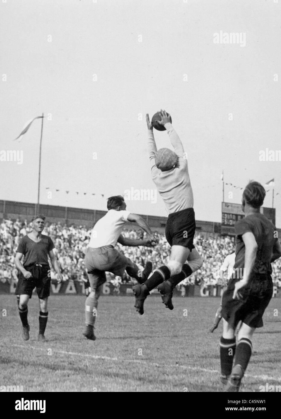 Hertha BSC Berlin gegen den 1. FC Nürnberg, 1932 Stockbild