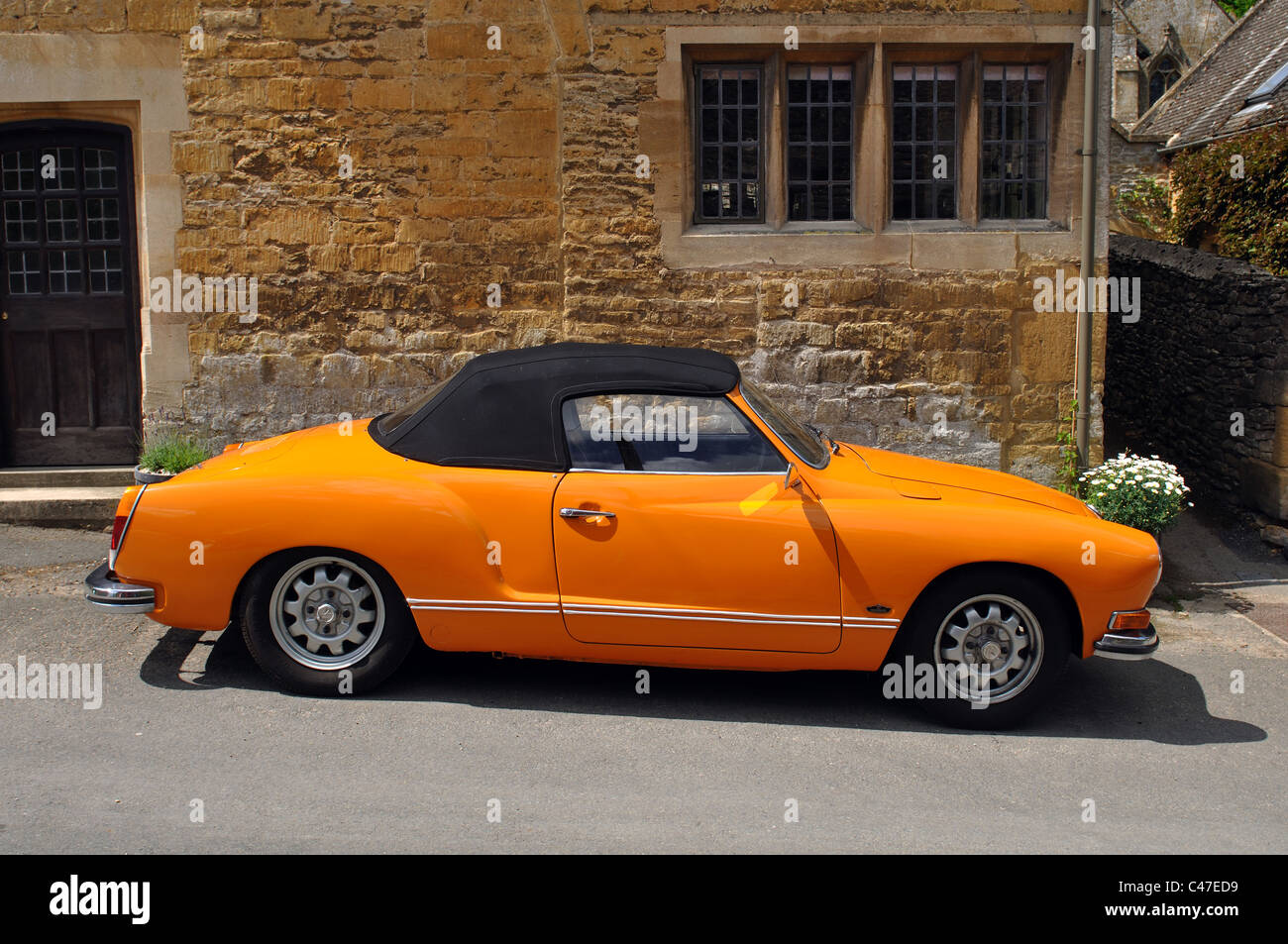 volkswagen karmann ghia cabrio stockfoto bild 37044373 alamy. Black Bedroom Furniture Sets. Home Design Ideas