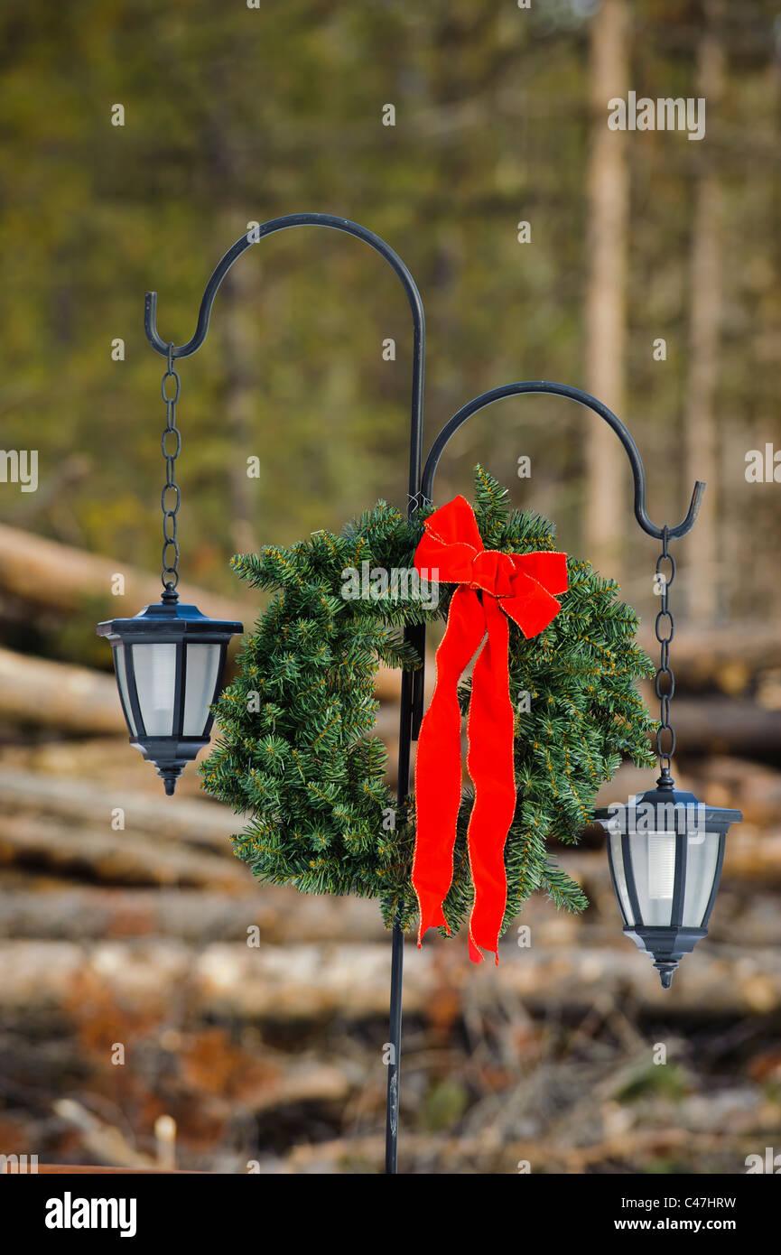 Eine Anfahr-Licht im Seeley Lake Montana ist ein Adventskranz mit ...