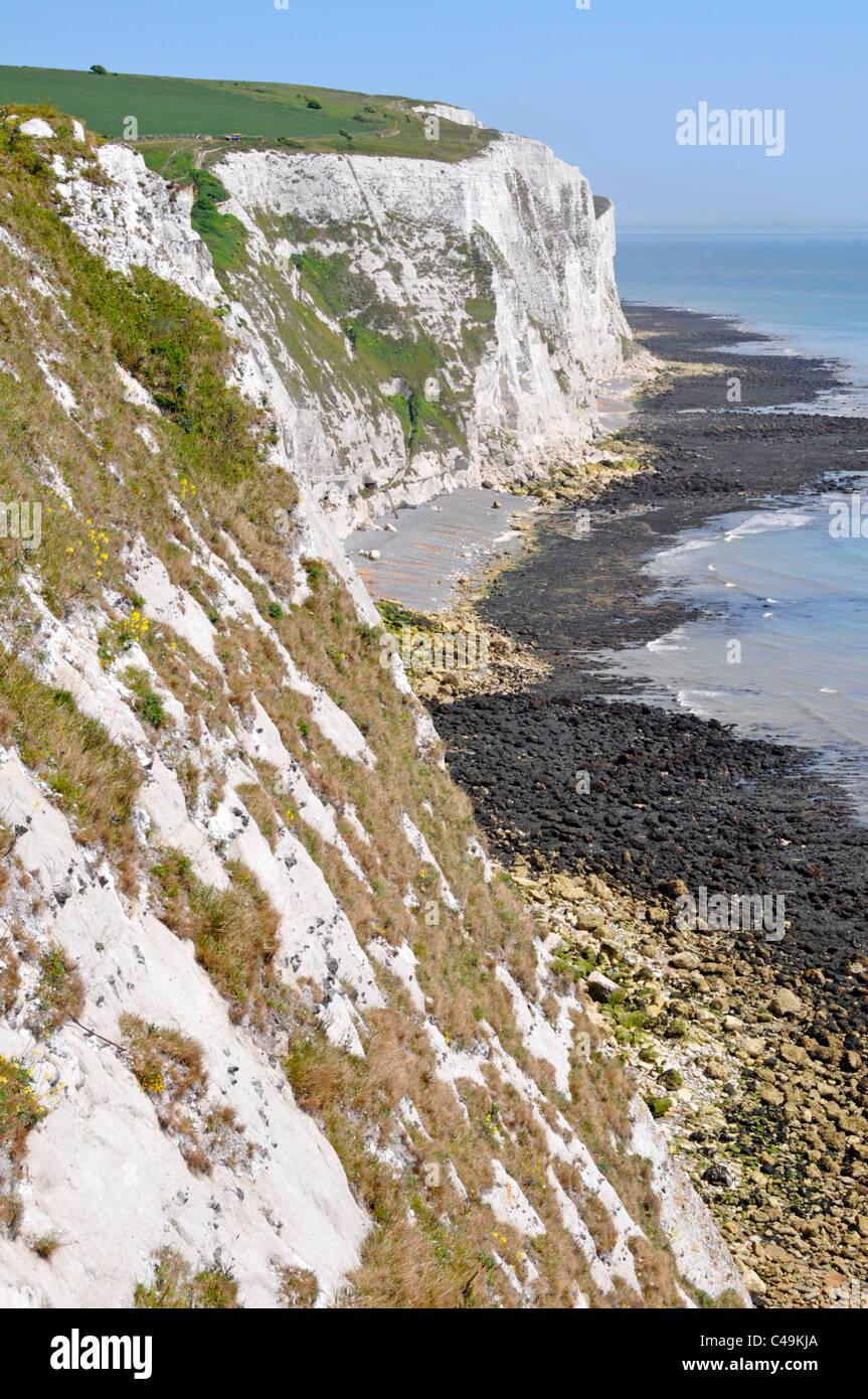 Weißen Klippen von Dover Teil des North Downs mit Blick auf den Englischen Kanal bei Ebbe Kent England Großbritannien Stockbild