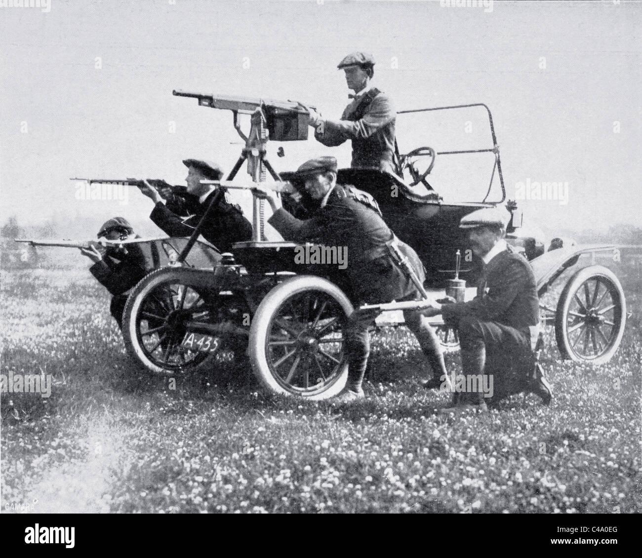 Mitglieder der Ulster Volunteer Force mit mobilen Maschinengewehr, fotografiert im Jahr 1914 während der Regel Stockbild
