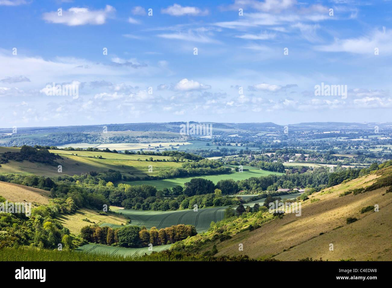 Englisch auf die Landschaft aus sanften Hügeln in der englischen Landschaft, Dorset, England, Großbritannien Stockbild