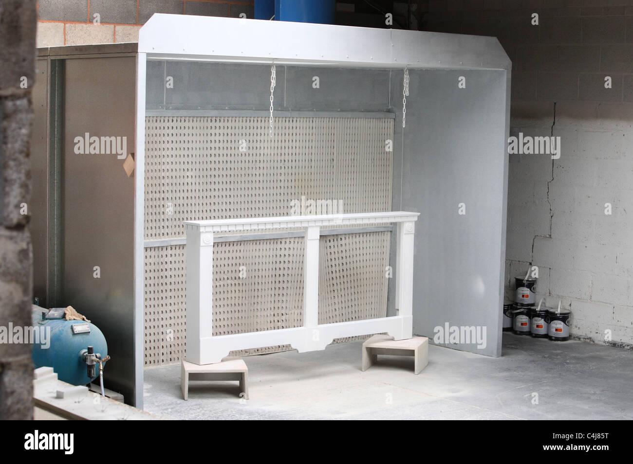 Sprühfarbe Stand in einer Fabrik Stockfoto, Bild: 37280932 - Alamy
