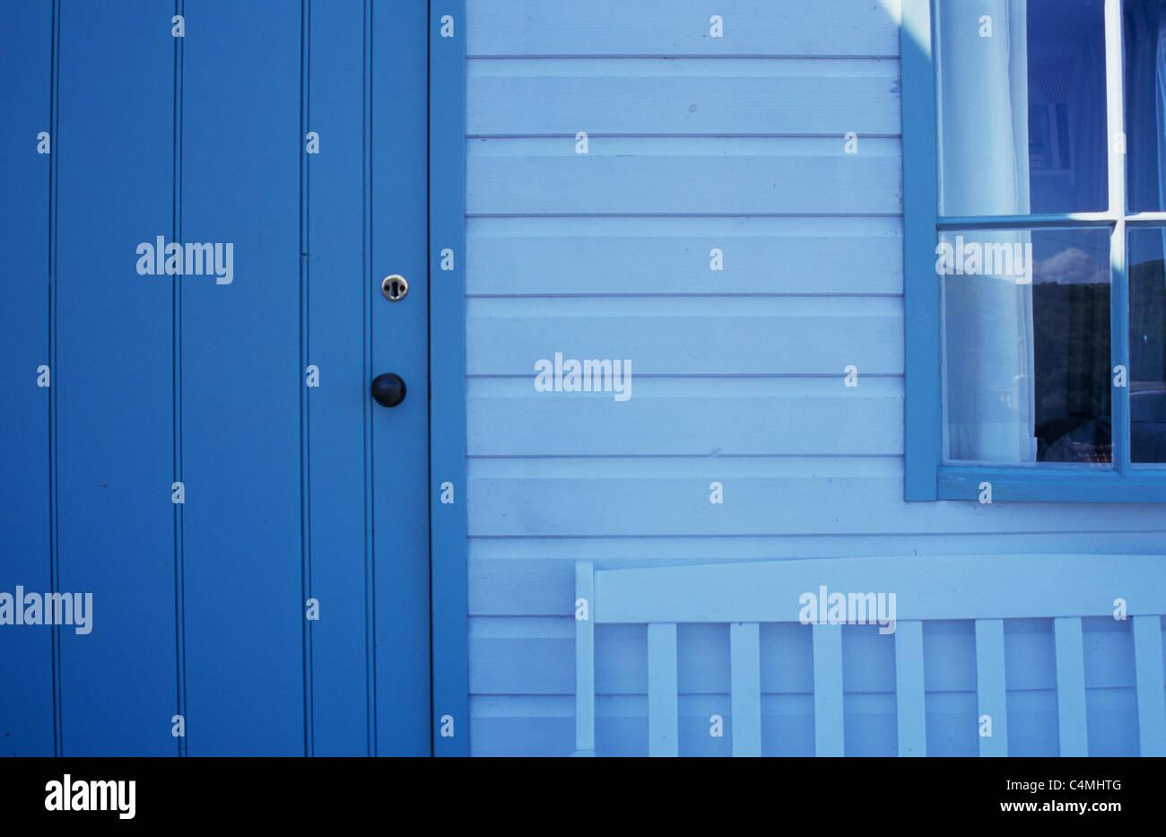 Detail der smart Chalet oder Schuppen oder Strand Holzhütte mit Tür ...