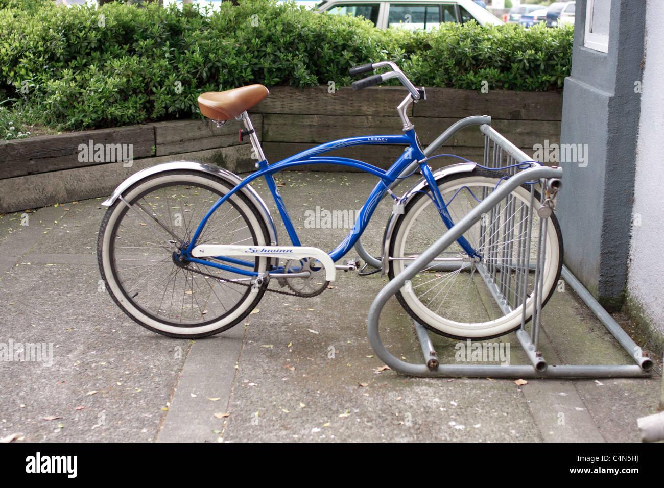 Blaue Schwinn Fahrrad Stockfoto, Bild: 37344766 - Alamy