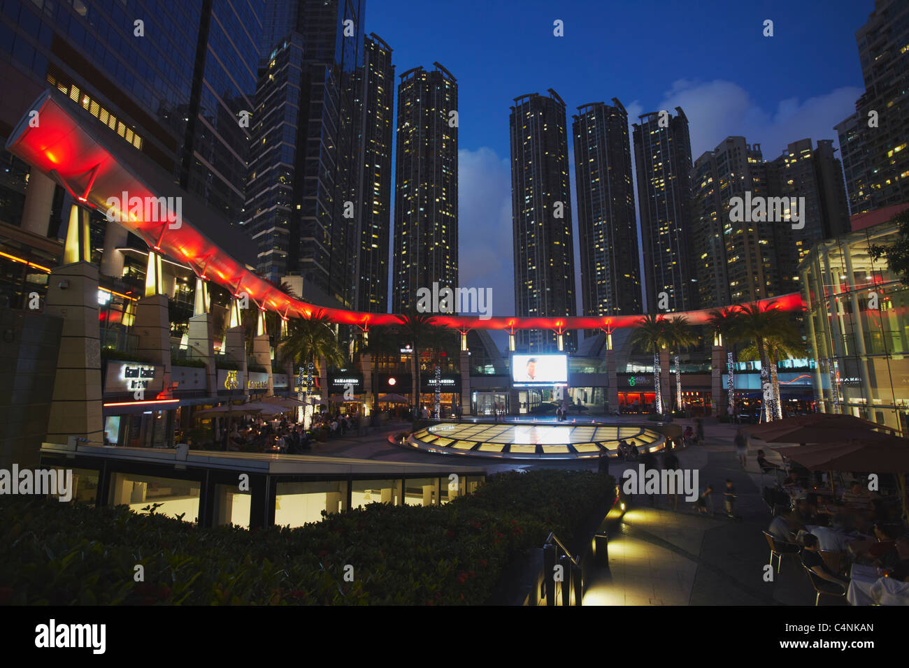 Restaurants in Civic Square, Elemente Mall, West Kowloon, Hong Kong, China Stockbild