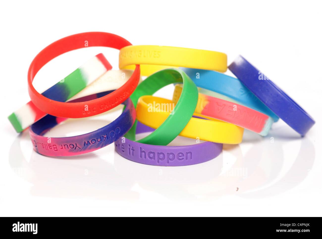 Verschiedenen Charity fundraising Armbänder Studio Ausschnitt Stockbild