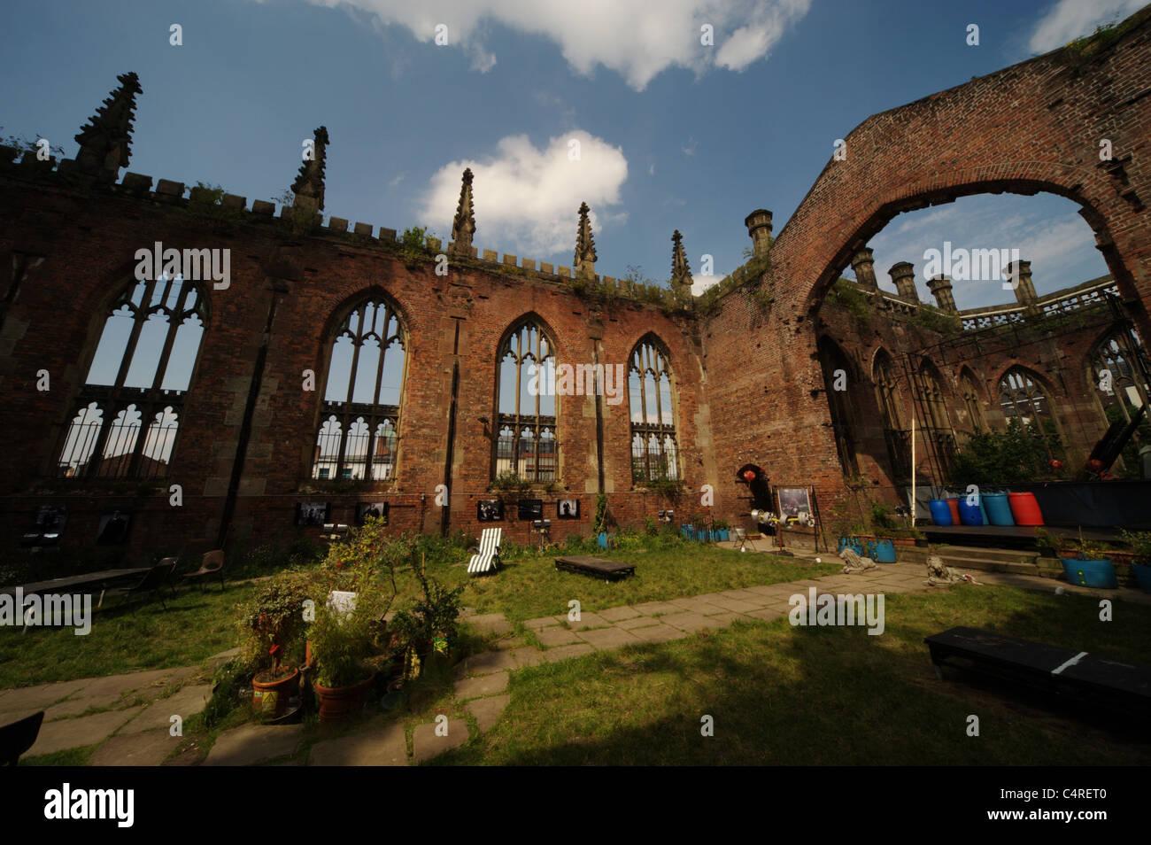 St Lukes Kirche, bekannt als die ausgebombten Kirche im Zentrum von Liverpool, England UK Stockbild