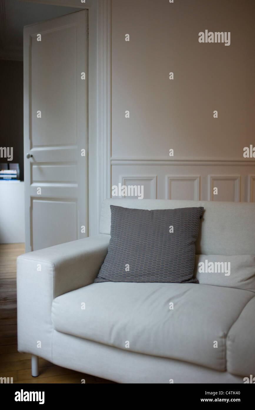 Sofa im Wohnzimmer Stockbild