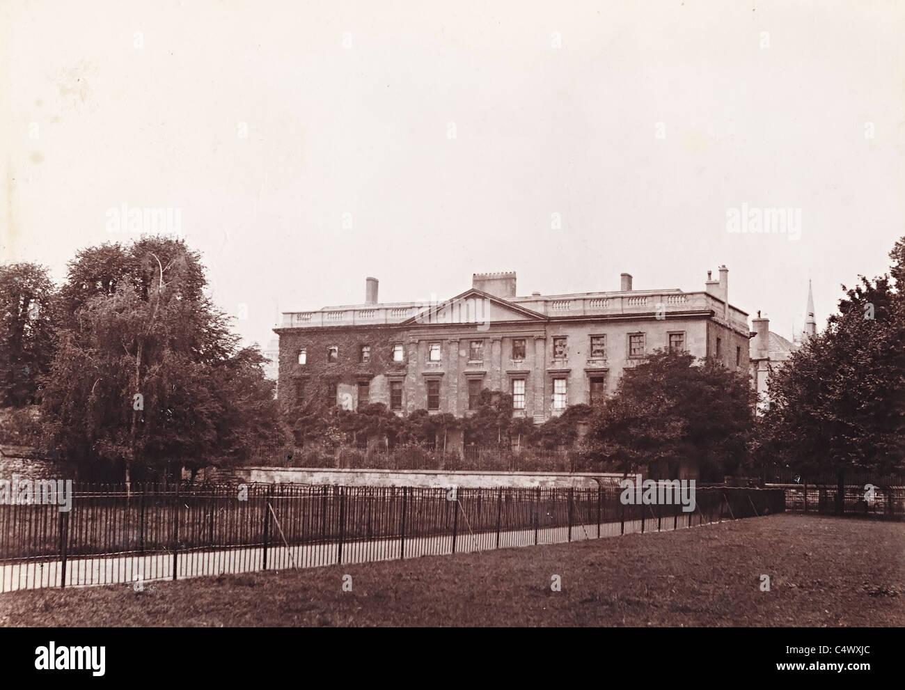 Corpus Christi College in Oxford aus dem Wiesen historische Foto um 1890 England UK Stockbild
