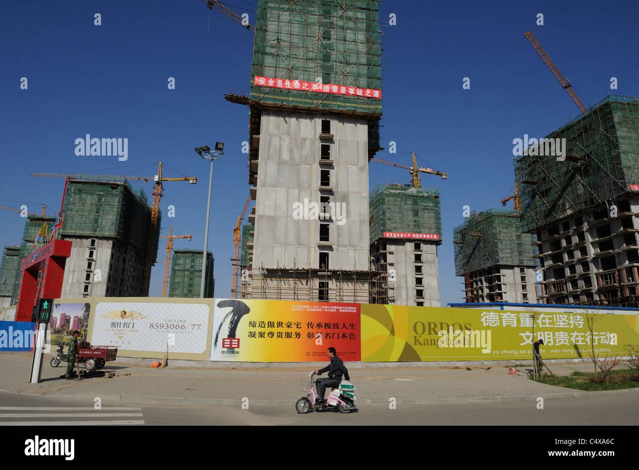 Unterkünfte in Bau in Kangbashi, Ordos, Innere Mongolei, China. 13. Mai 2011 Stockbild