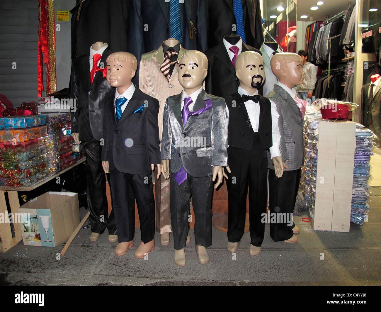 c7d3489321f81e Türkei Istanbul Sultanahmet Alter Stadt Shop verkaufen Hochzeitskleidung  Stockbild