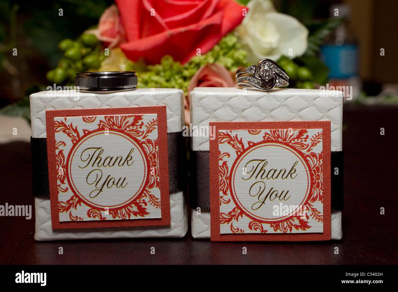 Hochzeit danke geschenke mit ringen an der spitze