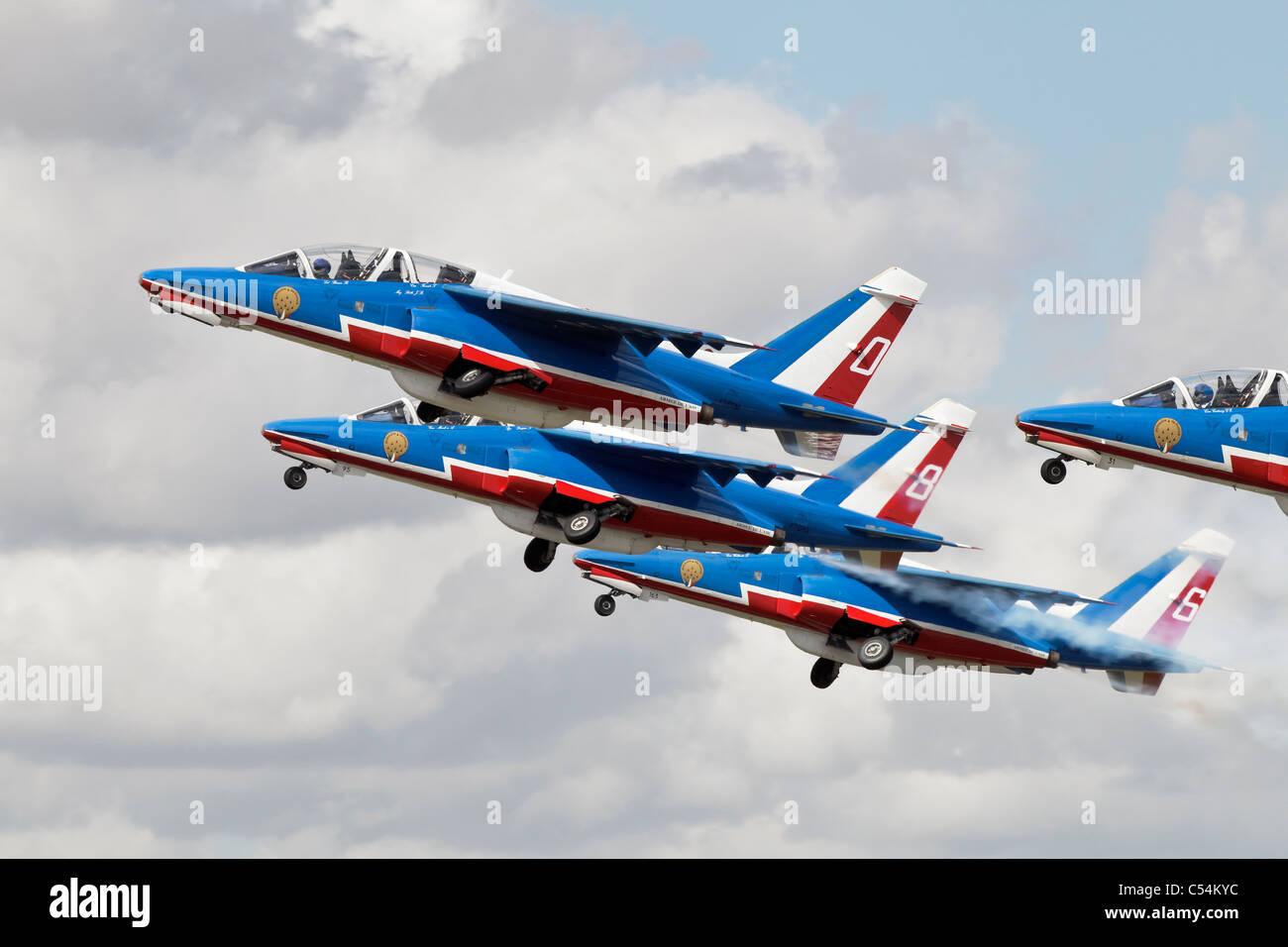 """Alpha Jets der französischen AF anzeigen Team die """"Patrouille de France"""" zum ausziehen Stockbild"""