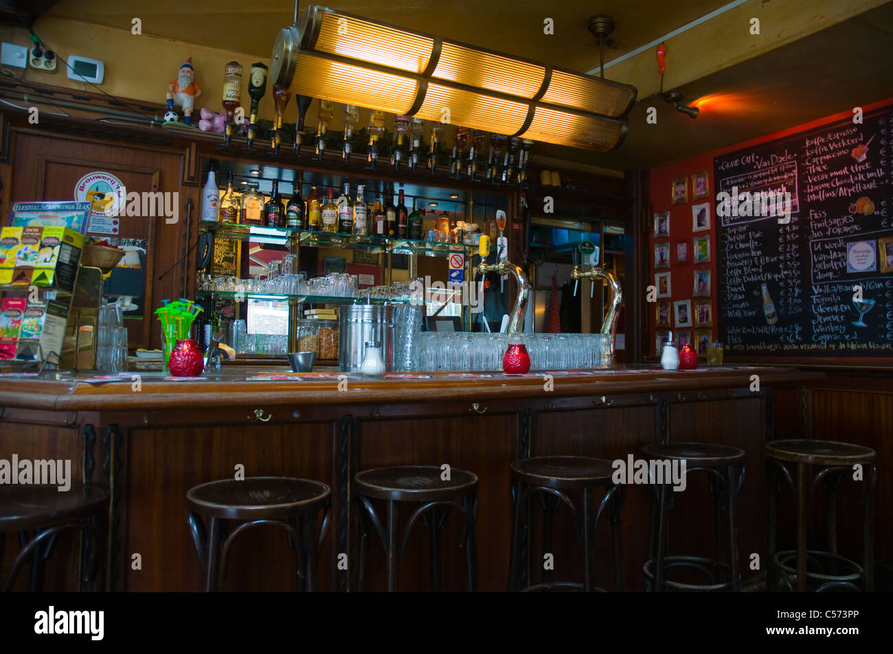 Amsterdam Bar Interior Stockfotos & Amsterdam Bar Interior Bilder ...
