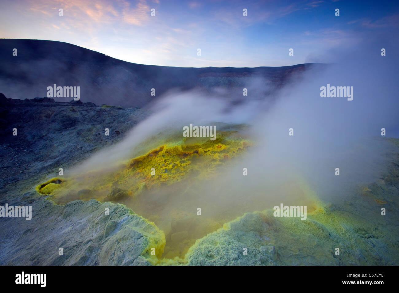 Vulcano, Italien, Europa, Liparischen Inseln, Insel, Insel, Vulkan, Krater, Fumarole, Schwefel, Schwefel, Ablagerung, Stockbild