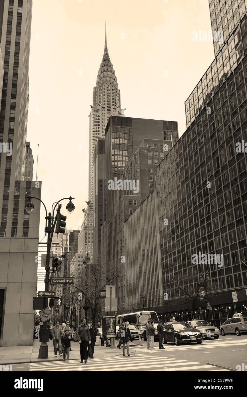 42. Straße in Manhattan New York City mit Chrysler building. Stockbild