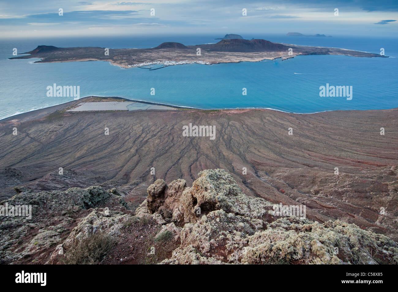 Ansicht der Insel La Graciosa, Zugehörigkeit zu den Archipel Chinijo aus der Mirador del Río, Lanzarote, Stockbild