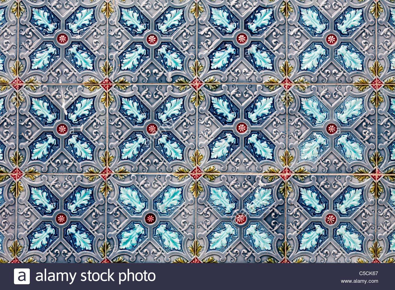 hand painted azulejos stockfotos hand painted azulejos bilder alamy. Black Bedroom Furniture Sets. Home Design Ideas