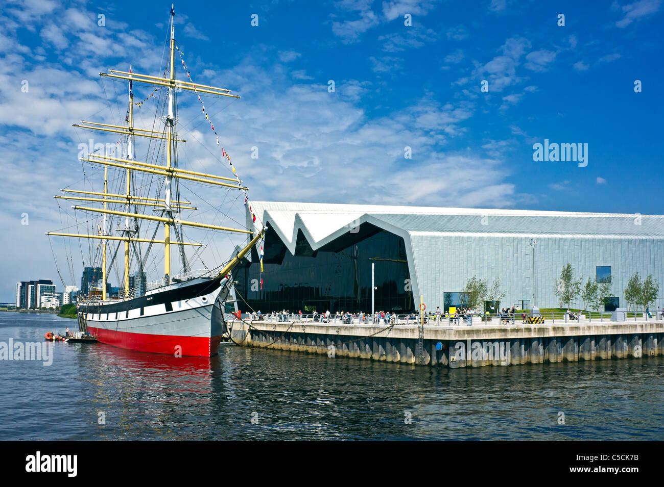 im besitz der clyde maritime trust tall ship glenlee im neu errichteten riverside museum auf dem. Black Bedroom Furniture Sets. Home Design Ideas