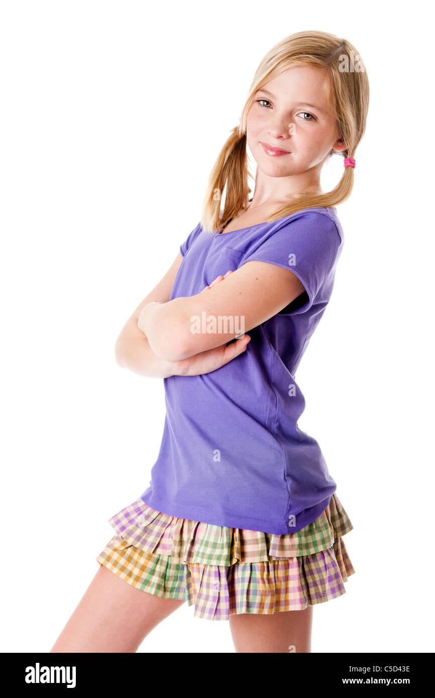 sch ne gl ckliche s e teenager m dchen mit rock und lila hemd sommermode isoliert stockfoto. Black Bedroom Furniture Sets. Home Design Ideas