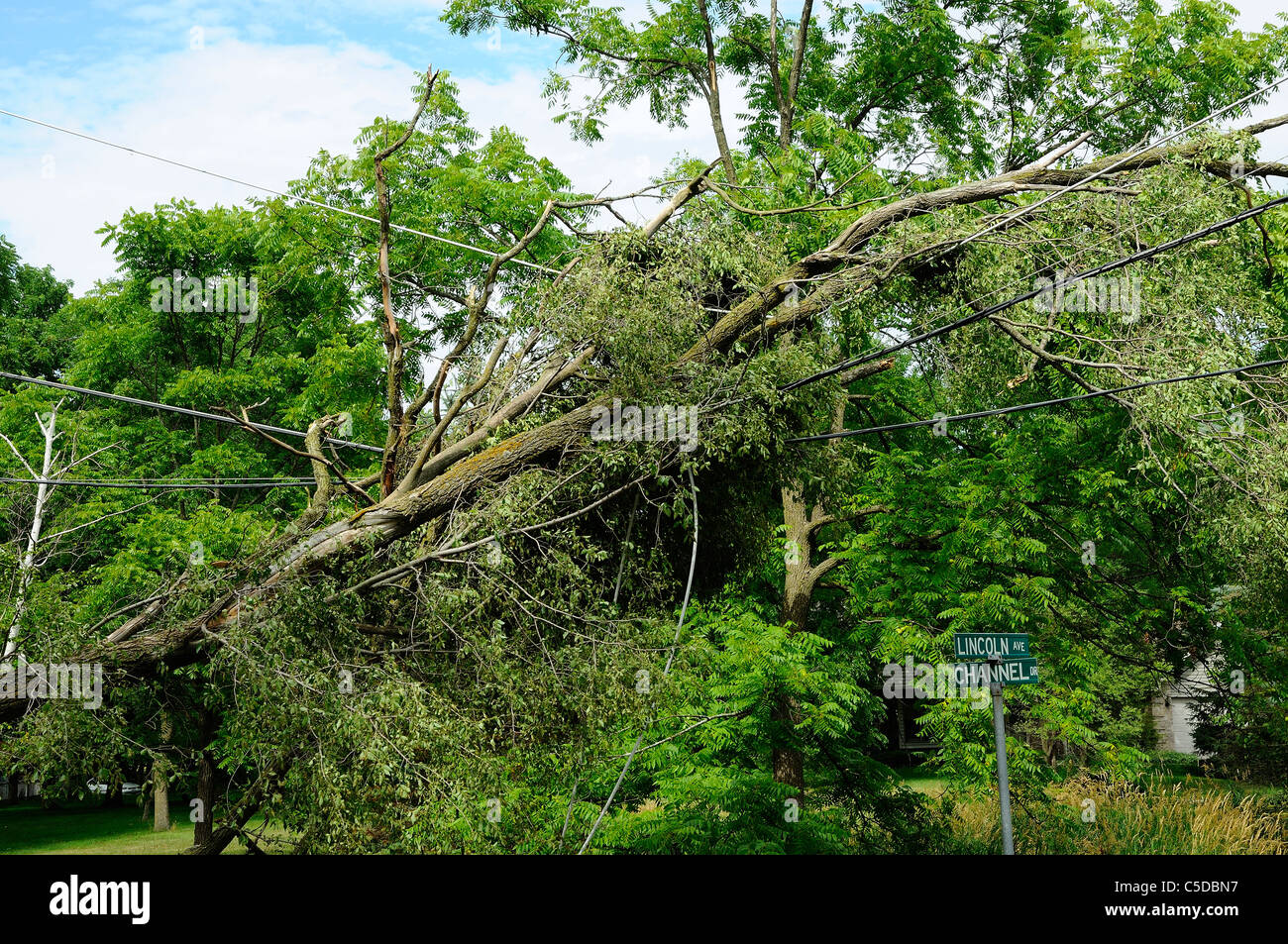 Storm Damage Telephone Pole Stockfotos & Storm Damage Telephone Pole ...