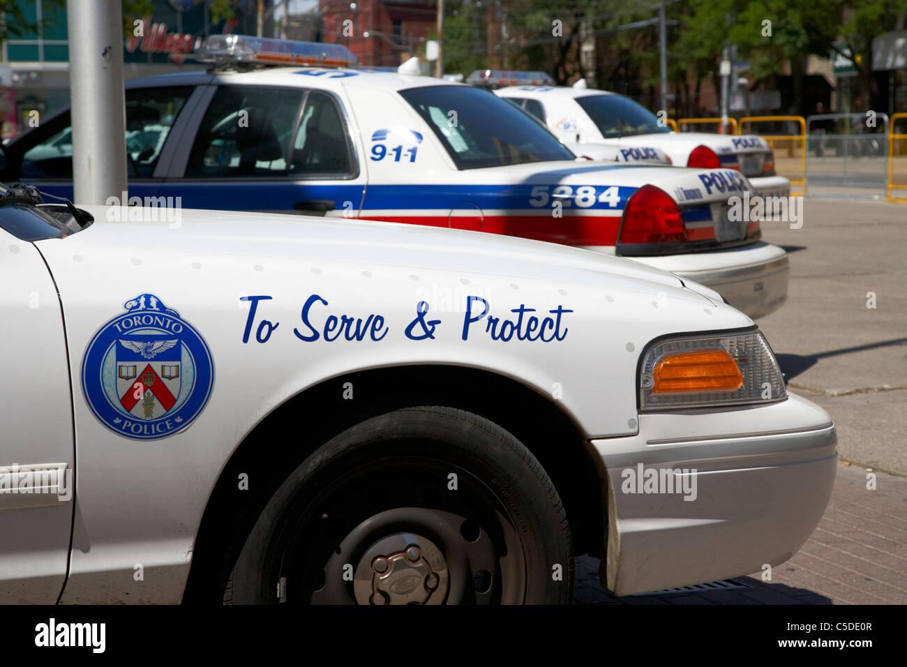Toronto Polizei Streifenwagen außerhalb Polizeistation in der Innenstadt von Toronto Ontario Kanada Stockbild