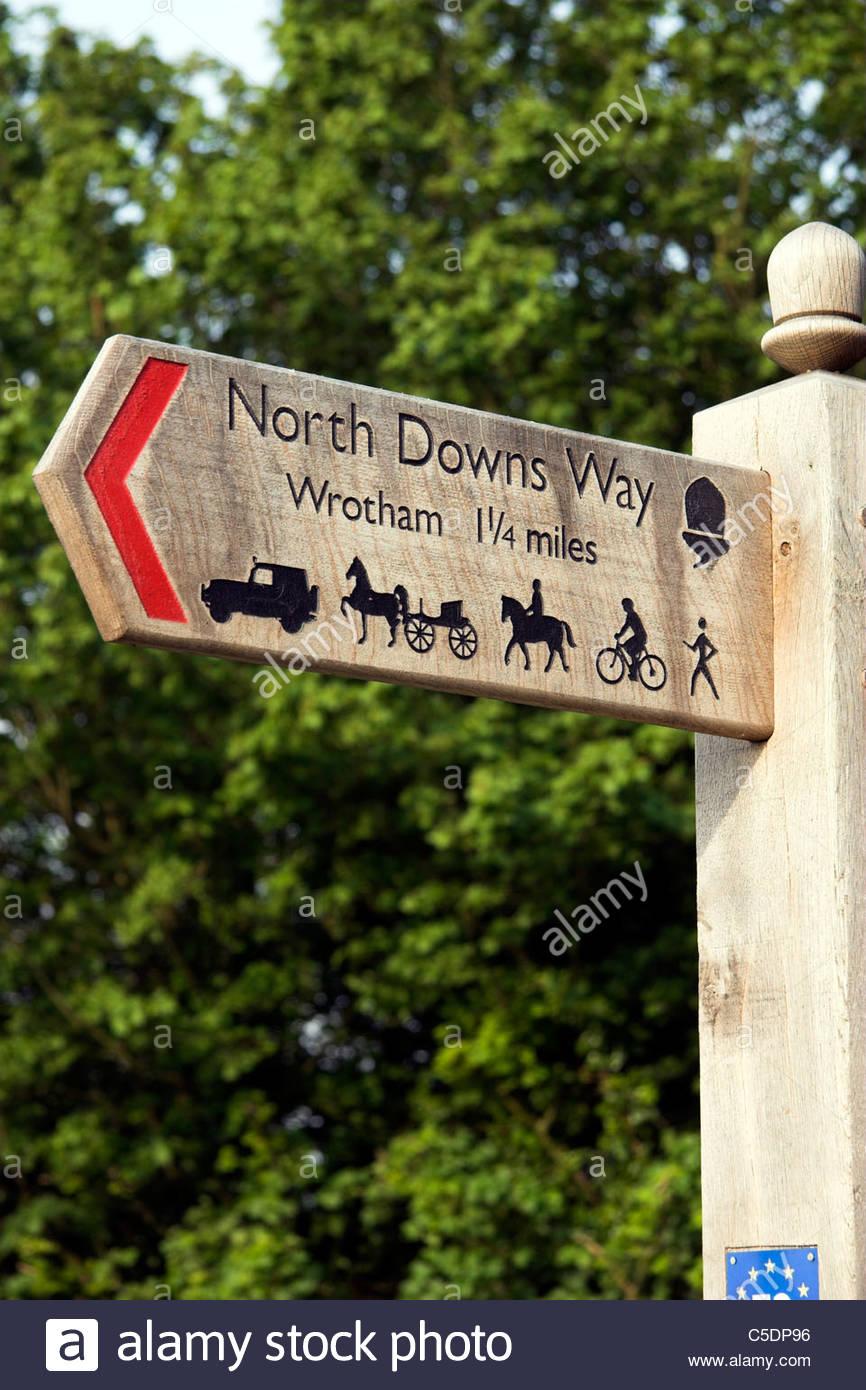 North Downs Way Wegweiser in der Nähe von Dorf Wrotham, Kent, UK. Stockbild