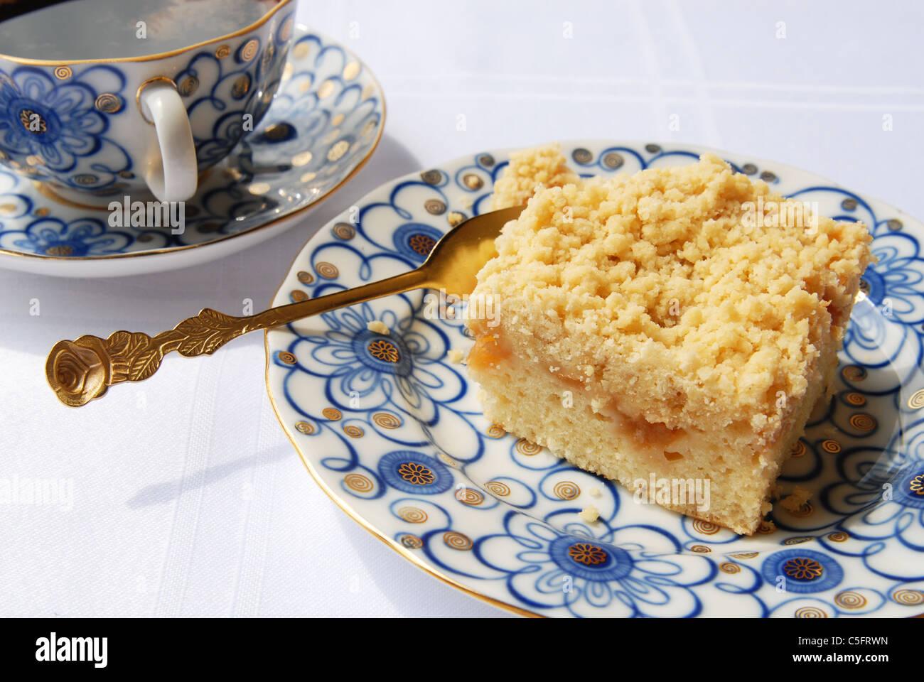 Morgen mit Kaffee und Kuchen Stockbild